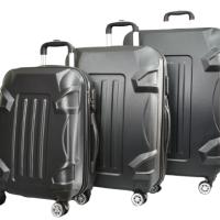 Черен куфар в три размера код: 16011