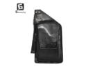 Мъжка чанта от еко кожа. - основен джоб странично затварящ се + вътрешен джоб с цип в него; - преден джоб с цип; - малък джоб; - регулираща се прерамка. Размер продукт: 34 х 18 х 3 Размерите са в сантиметри.