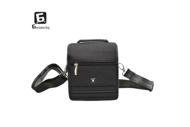 Малка мъжка кожена чанта- черна